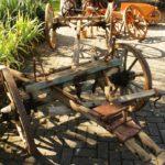 Fahrgestell eines hölzernen Bauernwagens